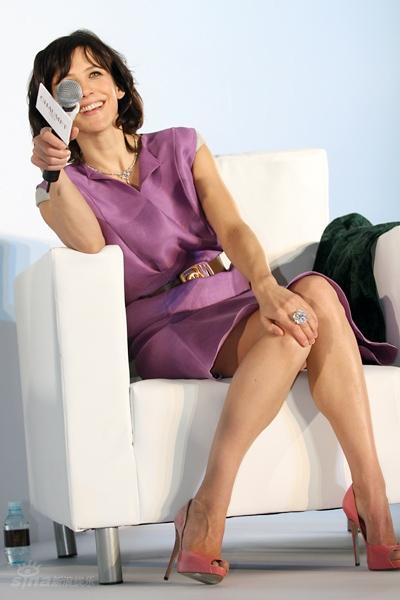 图文:苏菲-玛索出席活动--苏菲-玛索优雅坐姿