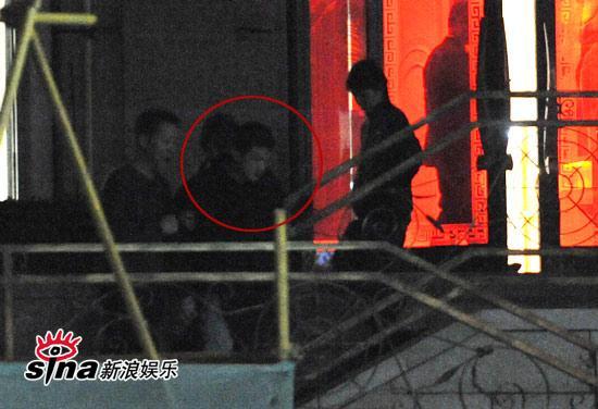 图文:王家卫夜会京城大腕-王菲夫妇提前离开