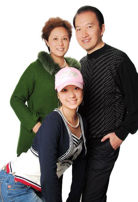 母亲节将至 橙天娱乐艺人公开母女照感恩(组图)