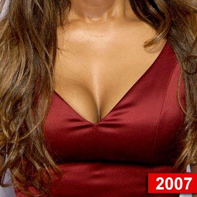图文:欧美女星美胸十年--珍妮-杰克逊2007