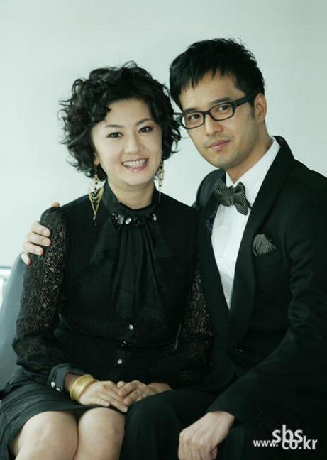 新浪电视剧排行榜第4季韩剧候选:《糟糠之妻俱乐部》