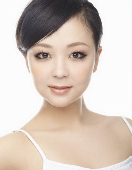 资料:《华人大综艺》美女博客团--郑雅静