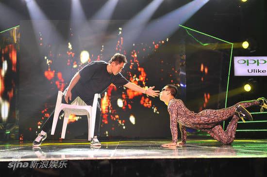 资料图片:《中国梦想秀》-蛇人舞蹈