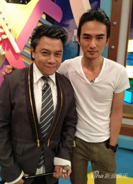 张晓晨(右)和蔡康永