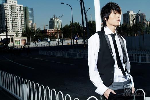 岩男郎张峻宁明年进军日本个性型男走势强劲