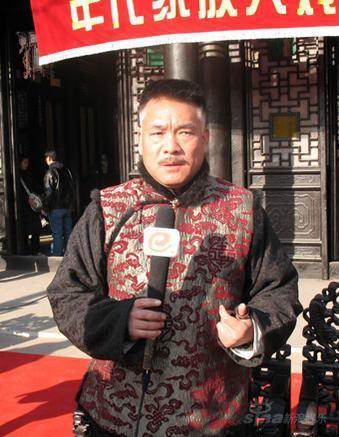 """《凤穿牡丹》热拍李小冉片场遭刘交心""""训斥"""""""