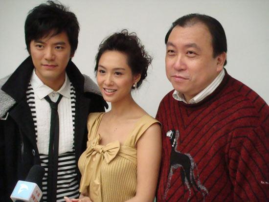 吴庆哲宣传《暴雨梨花》坦言面对朱茵不尴尬