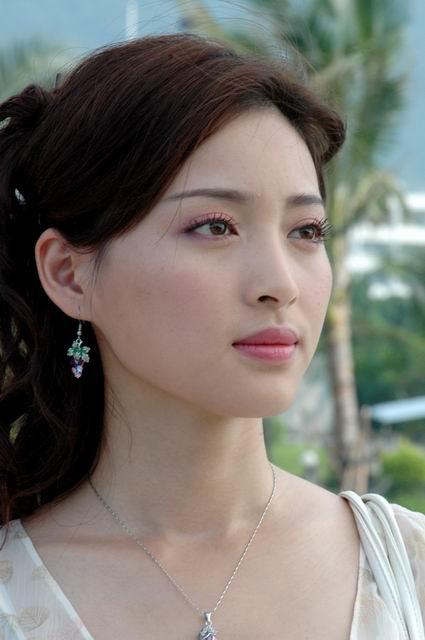 甘婷婷郭晓冬携手《不能没有她》演绎现代童话