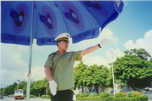 《中国兄弟连》日本少佐丁军亦正亦邪暗火荧屏