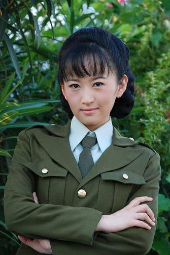 杨蕊《战后之战》突破大扮双面娇娃挑战演技