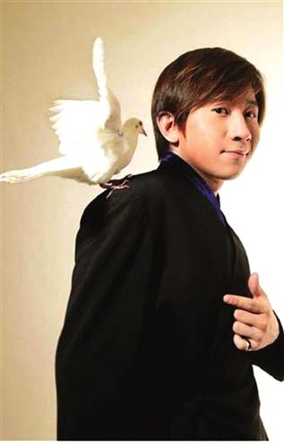 刘谦收李宇春为徒量身打造魔术元宵将再露一手