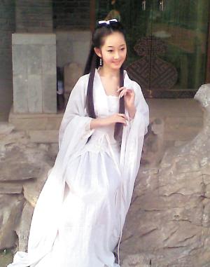 新版《红楼梦》黛玉蒋梦婕从小演到大