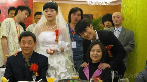 专题 > 正文    新浪娱乐讯 由海清,林申和黄海波主演的电视剧《媳妇图片