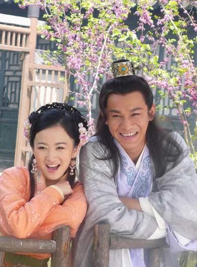 其中杨蕊饰演奔月与乔振宇饰演的方宝玉之间的一段缠绵悱恻的爱情故事