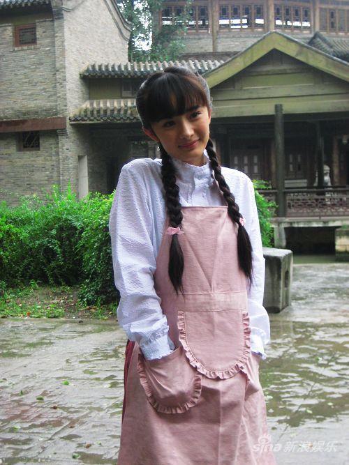 杨幂《刁蛮新娘》定妆曝光演绎刁蛮俏丫鬟(图)