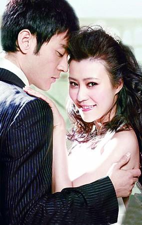 李光洁透露和郝蕾正式离婚《当爱》成夫妻绝唱