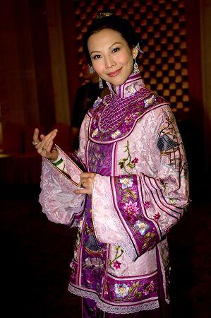 蔡少芬抱怨TVB折磨人大秀恩爱内地接戏靠老公