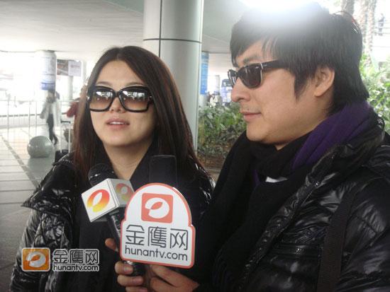 李湘何炅跨年演唱会饰演情侣王岳伦表示无所谓