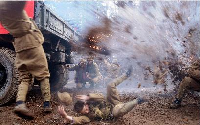 《女兵》拍摄频遇险美景中苦拍战争戏(图)