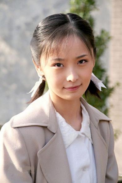 《江城令》收视飘红李曼清纯亮相再受关注