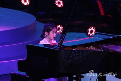 盲童钢琴天才刘耶恩