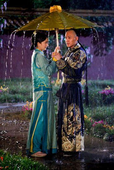 冯绍峰与杨幂雨中浪漫