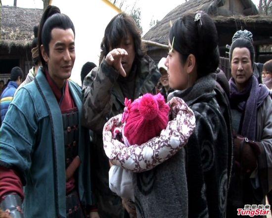 黄晓明《精忠》吃瘪 拿小孩没辙怪林心如图片
