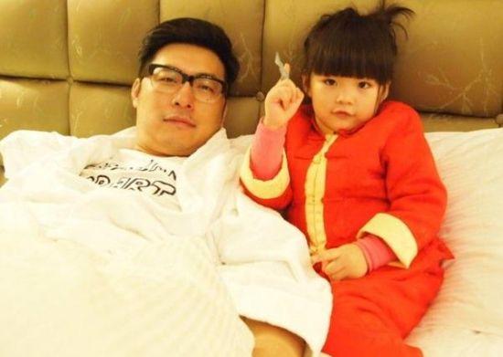 王岳伦与女儿王诗龄