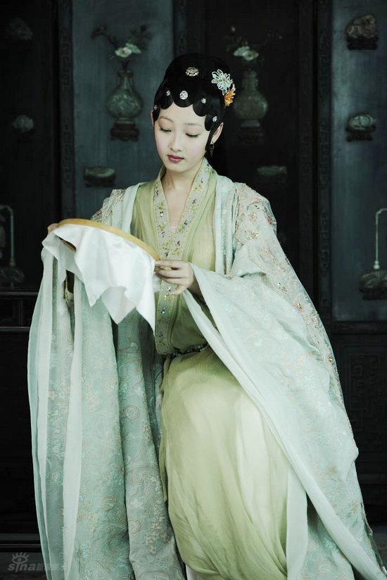 图文:《红楼梦》定妆照--蒋梦婕饰少年版黛玉