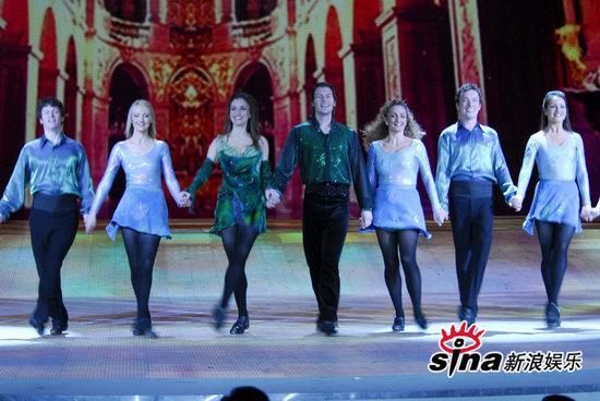 图文:央视春节晚会--爱尔兰踢踏舞《大河之舞》