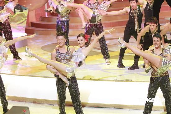 图文:TVB42周年台庆--火爆热舞