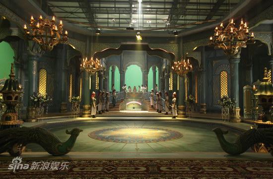 人亮相-女儿国宫殿内图片