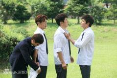 组图:《绅士的品格》花美男四人帮重返校园