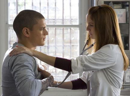 《越狱》第一季大事记:迈克尔和莎拉相遇