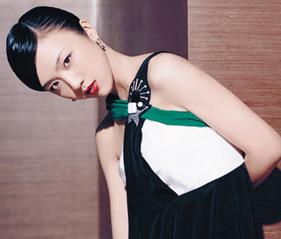 亞洲色_《色·戒》入选金球奖外语片汤唯澳门夺年度亚洲女星