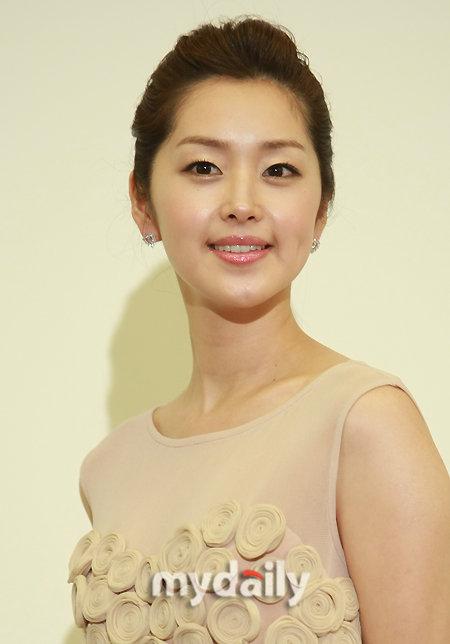 北京女明星名单_contents    北京时间2月4日下午消息,据韩国媒体报道,韩国女
