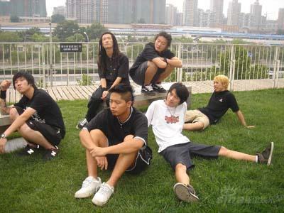 俞思远挑战北方摇滚飞行者旗下左右京城接招