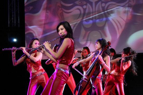 演唱会现场吸引了当红演艺明星韩雪