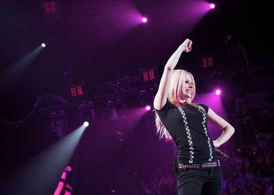 """艾薇儿-拉维妮""""美丽坏东西""""中国巡演9月开始"""