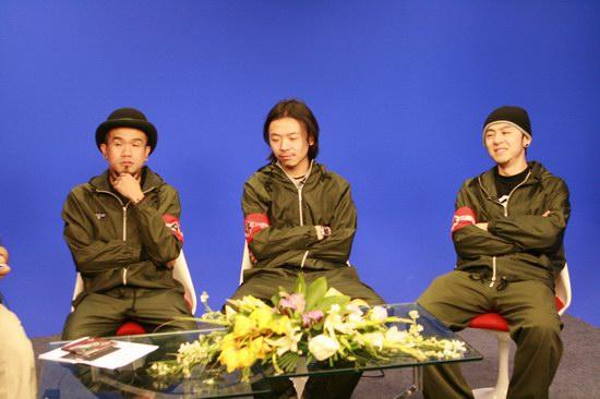 组图:AK-47乐队做客摇滚频道畅聊新专辑