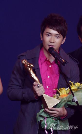 亚太音乐榜北京颁奖阿穆隆成当晚最大赢家(图)