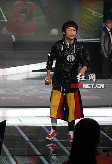 快男选手淘汰后发言屡遭拒被指让唱不让说(图)