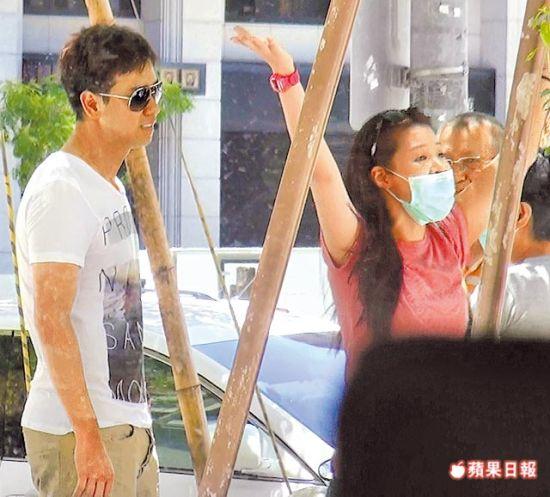 李圣杰与蔡小姐谈判女方激动大喊