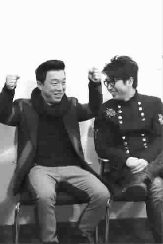 ■ 沙宝亮(右)与黄渤图TP