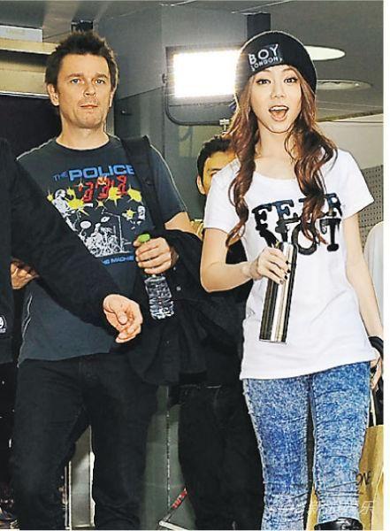 她自爆16歲就被破處「失身」了,19歲與林宥嘉「相戀」三年無果!!如今她卻把「內衣」穿成這樣子!