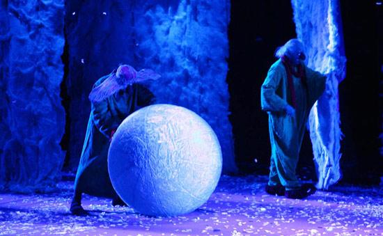 组图:《下雪了》上海首演笑声满场令人叫绝