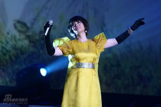 图文:蔡琴北京演唱会--翩翩起舞