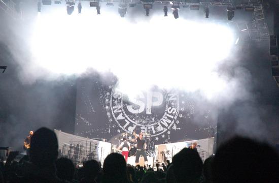 图文:富士音乐节第二日--SIMPLEPLAN压轴白色舞台