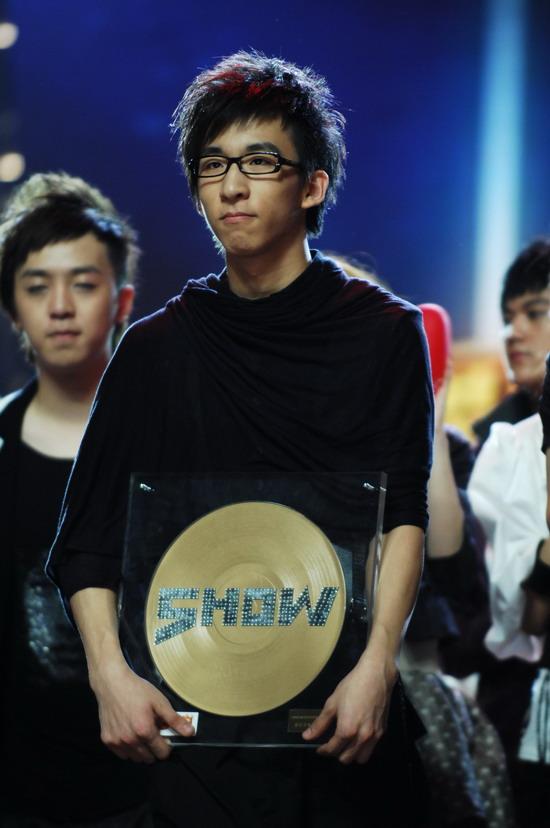 图文:2008我型我秀总决赛--最佳毕业生唐汉宵
