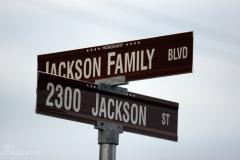 组图:杰克逊救治医院直击粉丝闻噩耗失声痛哭